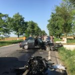 UPDATE: Accident grav pe DN79 intre Gepiu si Les. Un Mercedes facut praf, iar soferul ramas incarcerat