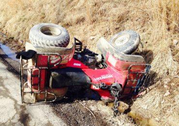 O femeie de 27 de ani din Hidiselul de Jos a ajuns la spital dupa ce a intrat cu ATV-ul intr-un stalp
