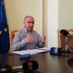 Ilie Bolojan: Medicilor nu li s-au tăiat salariile, doar că nu au primit atât cât s-au așteptat să primească