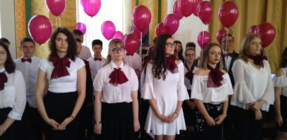 Emoții, flori, lacrimi și baloane pentru absolventii claselor a VIII-a de la Colegiul Eminescu