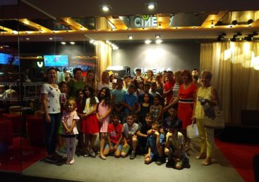 Femeile si tinerii liberali oradeni au oferit bucurie copiilor de la un Centru de Plasament din Oradea