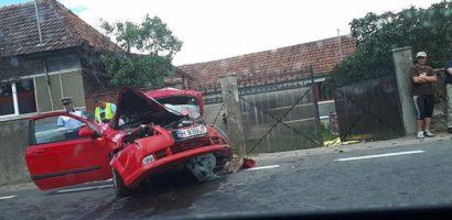 UPDATE: Accident mortal pe DN1, in urma unui impact frontal dintre un autoturism si un autocar plin cu copii