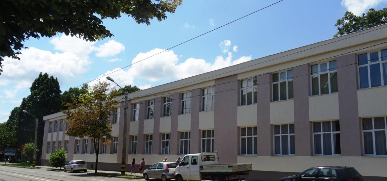 Fatada Liceului Ortodox din Oradea a fost restaurata (FOTO)