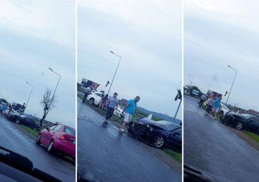 Trei masini implicate intr-un accident langa Sanmartin. Doi minori au ajuns la spital