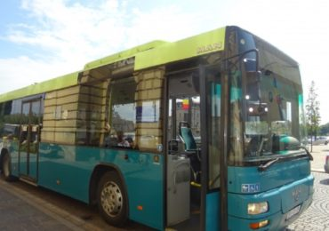 Statia de autobuz din zona magazinului dedeman din Oradea nu este functionala