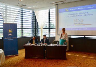 Solutii PNL pentru educatie, prezentate de Comisia Nationala de Educatie a PNL, la Oradea