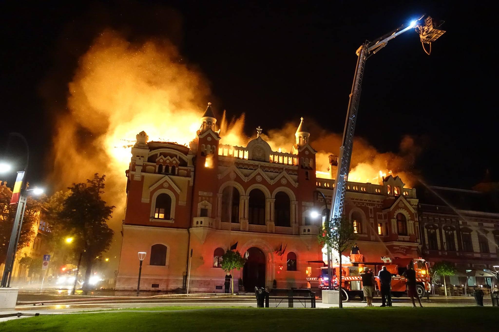 Incendiu Oradea Palatul episcopal 25 august 2018