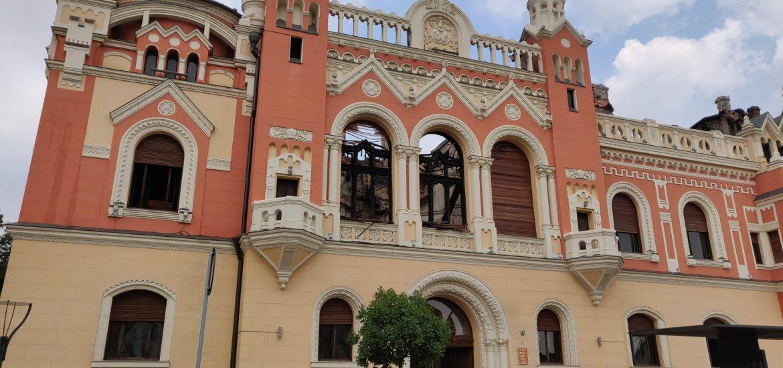 Poze facute dupa stingerea incendiului la Palatul Episcopal din Oradea. Cum arata interiorul acum (GALERIE FOTO)