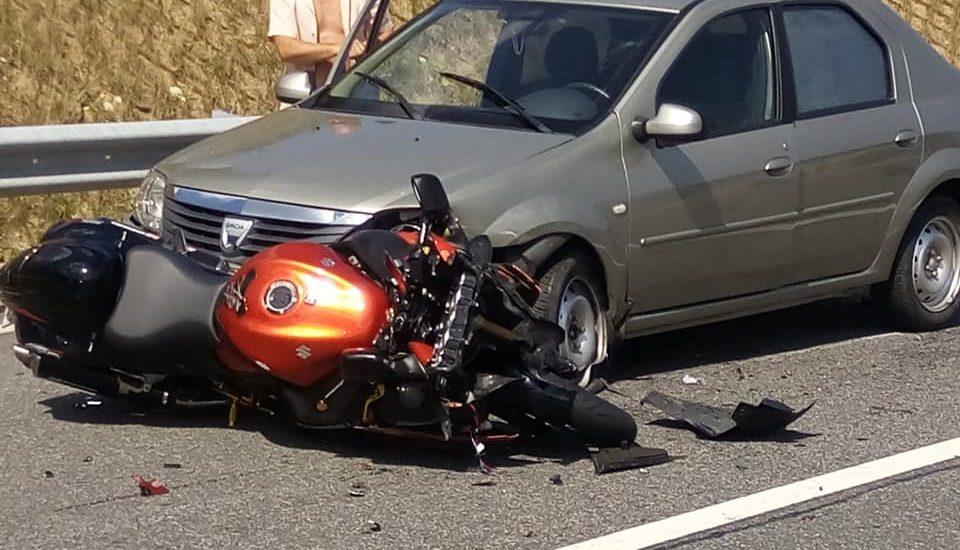IPJ Bihor: In cazul accidentului de ieri de la Sinteu, motociclistul nu a adaptat viteza la conditiile de drum