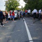 Coliziune pe contrasens in Bratesti. O femeie de 45 de ani a ajuns la spital