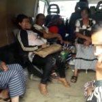 11 persoane, inghesuite intr-o duba, transportate ilegal, descoperite de politistii rutieri in Osorhei.