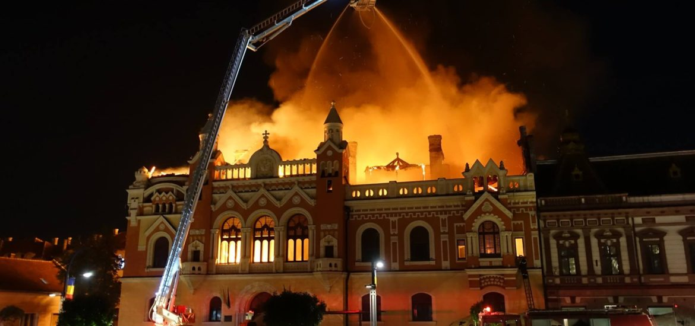 Dupa incendiul de aseara Oradea se mobilizeaza. Ce spun autoritatile locale si centrale