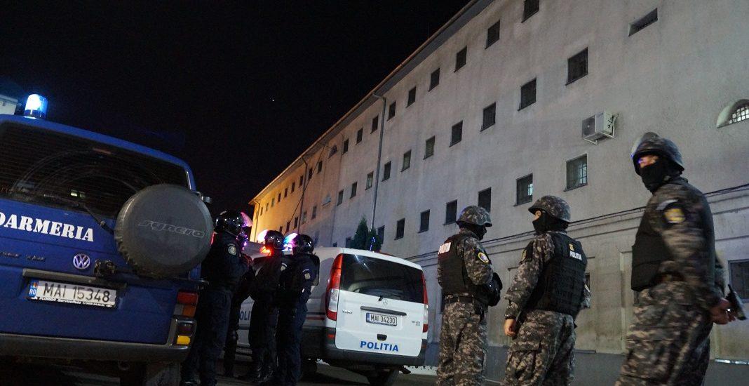 Execrcitiu tactic de interventie la Penitenciarul Oradea (GALERIE FOTO)