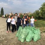 """Studenții orădeni au spus """"Da"""" curățeniei in campania Let's do it, Bihor! (FOTO)"""