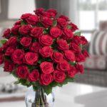 Trei situatii in care poti oferi buchete de trandafiri rosii