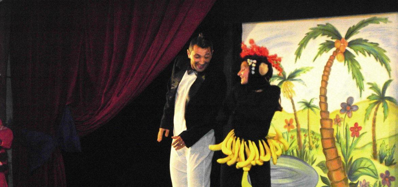 """Invitatie la teatru pentru copii, Aventurile lui """"Apolodor, pinguinul călător"""""""