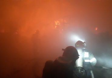 Explozie puternica, urmata de incendiu la o statie de incarcare cu gaz in Stei. A fost activat planul rosu