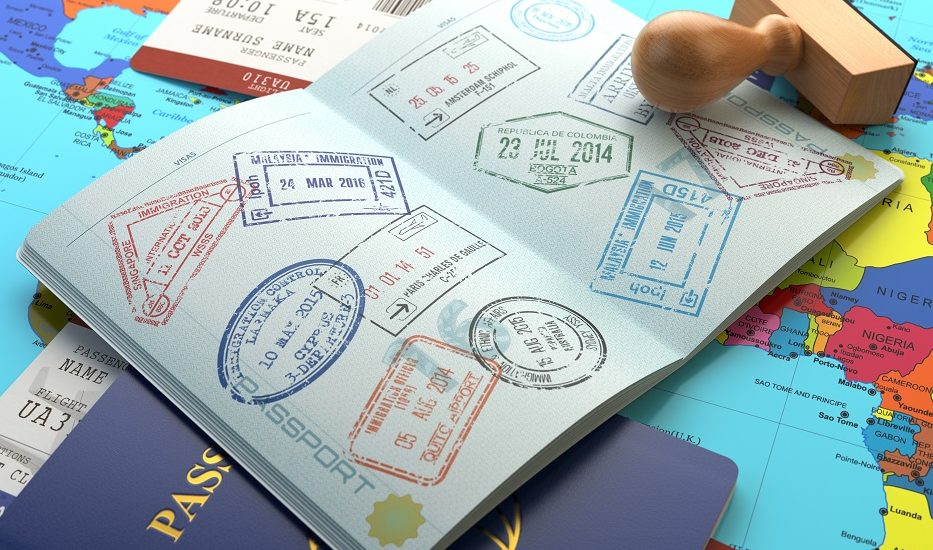 Ești în străinătate și trebuie să îți schimbi pașaportul? Nimic mai simplu!