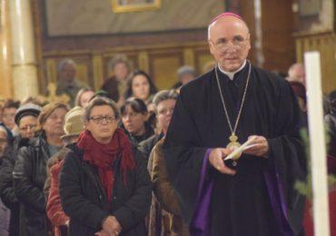 Parintele Virgil Bercea, a fost transportat in Italia, pentru tratament, dupa ce, in urma cu 1 luna, a fost internat in Oradea cu pneumonie severa