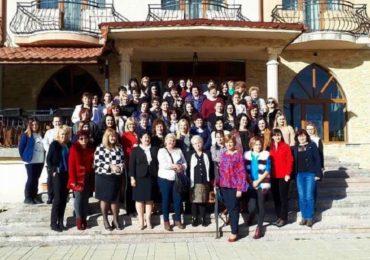"""Femeile liberale din Bihor s-au reunit la Vartop, la """"Scoala Politica a OFL Bihor"""""""
