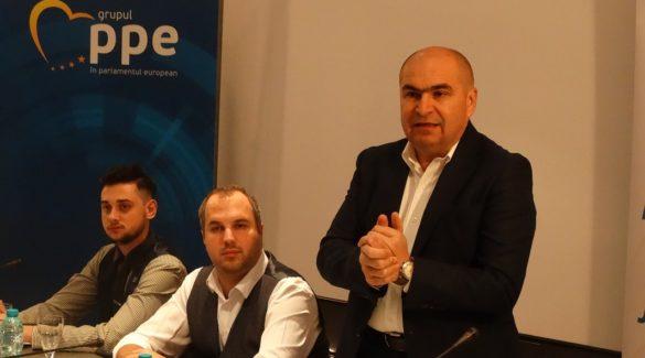 Tinerii liberali din Bihor și din țară s-au reunit la a 5-a ediție a Școlii politice de toamnă care a avut loc în acest week-end la Oradea