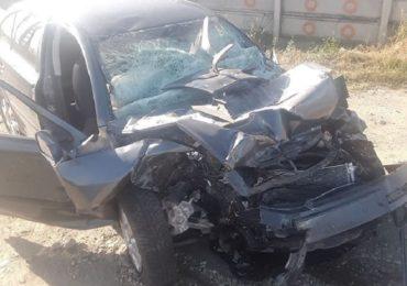 Accident grav pe Borsului. Un barbat din Santandrei a intrat, cu masina, sub un TIR ce a virat neregulamentar pe linie continua