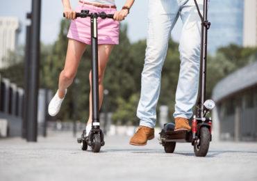 Cum poti combate sedentarismul cu ajutorul unei trotinete