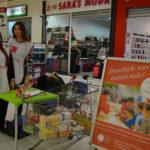"""Caritas Eparhial Oradea si elevii de la Liceul Teoretic """"Onisifor Ghibu"""" au strans din donatii alimente pentru copiii din centrele de zi"""