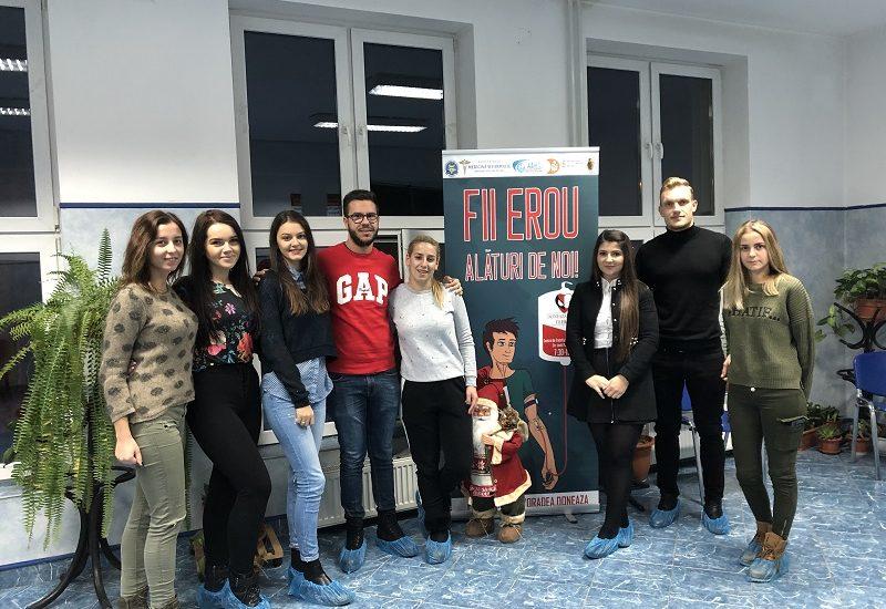Studenții economiști donează bucurie în preajma sărbătorilor