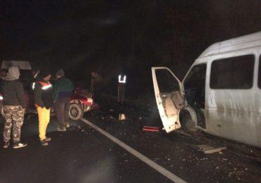 Accident mortal in apropiere de Dragesti, impactul a avut loc intre un autoturism si un microbus in care se aflau copii
