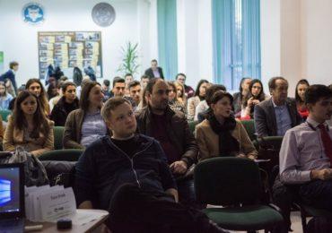 Practica la superlativ: Studenții economiști oradeni în fața firmelor