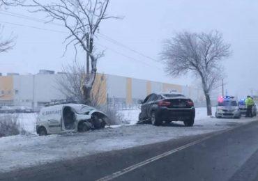Accident mortal pe DN79, Salonta-Oradea. IPJ Bihor: Soferul BMW-ului circula cu cauciucuri de vara si avea viteza