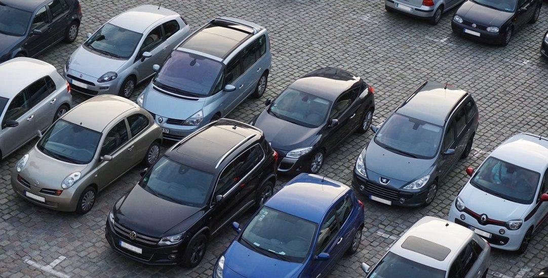 Aproape 300 de locuri de parcare se amenajeaza in spatele blocurilor de pe Calea Aradului