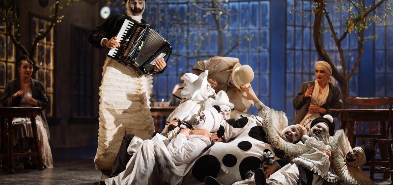 Un spectacol-eveniment se rejoacă la Teatrul Regina Maria din Oradea