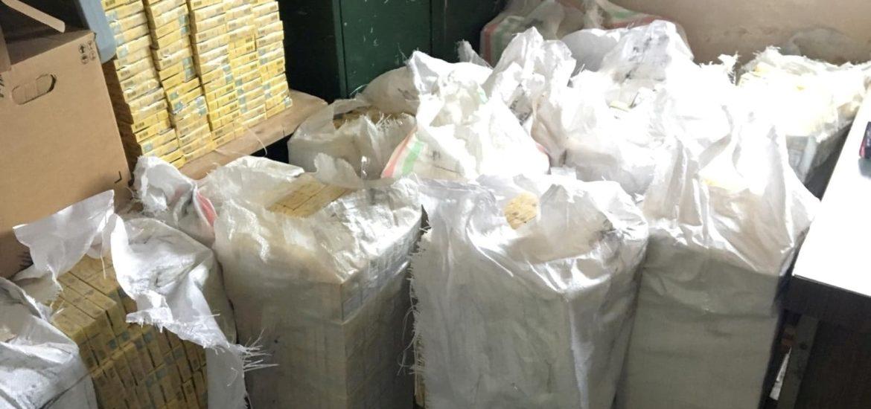 Salontan prins in trafic cu peste 10 mii de pachete de tigari nemarcate legal