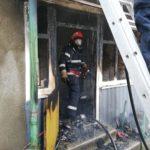 Incendiu violent in Capalna. Un barbat a fost ranit in timp ce incerca sa-si salveze casa aflata in flacari