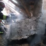 Incendiu in Marghita. O persoana a fost ranita in timp ce incerca sa-si salveze bunurile cuprinse de flacari