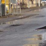 """Primaria Oradea s-a apucat de """"plombat"""" strazile. Aproape jumatate din ele au fost deja reparate"""