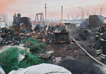 Incendiu violent in Parcul Industrial Oradea, la o firma ce colecteaza si recicleaza deseuri (VIDEO)