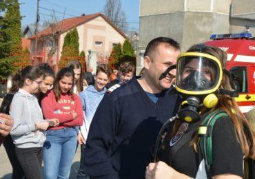 Ziua mondiala a apei pompieri oradeni