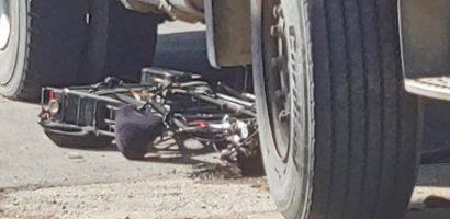 Accident grav pe Calea Borsuluui, un biciclist a ajuns sub rotile unui camion si a fost transportat la spital cu multiple leziuni