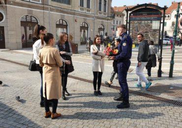 Martisoare confectionate in Penitenciarul Oradea au fost oferite oradencelor