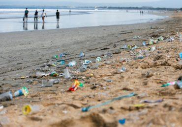 Uniunea Europeana va interzice, incepand cu 2021, 10 produse de plastic de unica folosinta