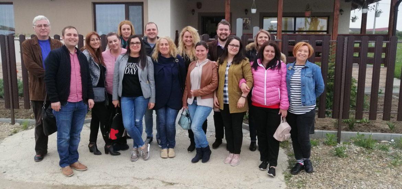 """La a patra editie """"Oradea doneaza o paine"""", 360 de paini au fost donate catre 3 camine de batrani si Adapostul de noapte Oradea"""