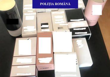 Îmbrăcăminte și parfumuri cu suspiciuni de contrafacere, în valoare de 15.000 de lei, confiscate de polițiștii bihoreni de la un bărbat.