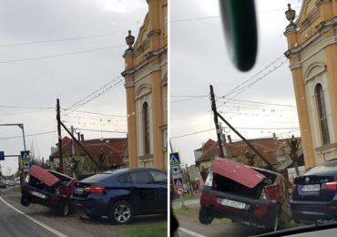 Carambol cu 3 masini in Salonta. Trei minore de 15 ani ranite usor
