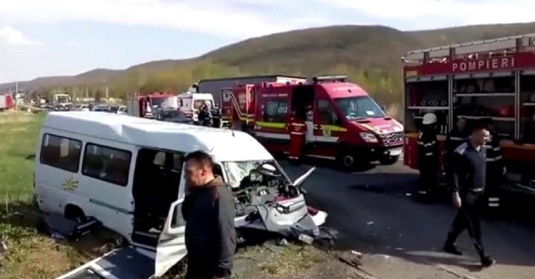 Accident grav pe DN 1 intre Oradea si Cluj Napoca, 11 persoane accidentate. Planul Rosu a fost activat