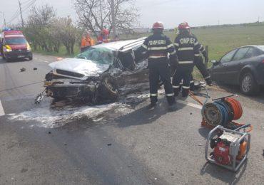 Accident grav pe Borsului, trei masini implicate. Doi barbati au ajuns cu multiple leziuni la spital, dupa ce un autoturism a patruns pe contrasens