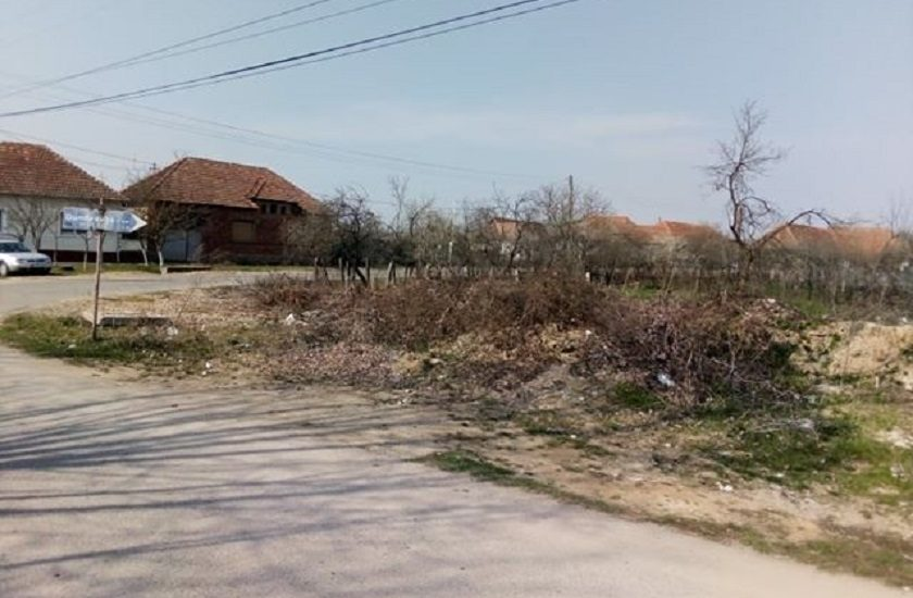 "Comuna Sambata din judetul Bihor, napadita de gunoaie. Cititor: De doi ani sesizez primaria, fara succes!"" (FOTO)"