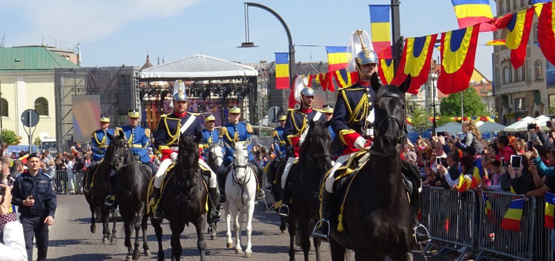 Oradea a sarbatorit cu fast 100 de ani de administratie romaneasca. TAB-uri, elicoptere Puma si batalioane ale Armatei Romane (FOTO)